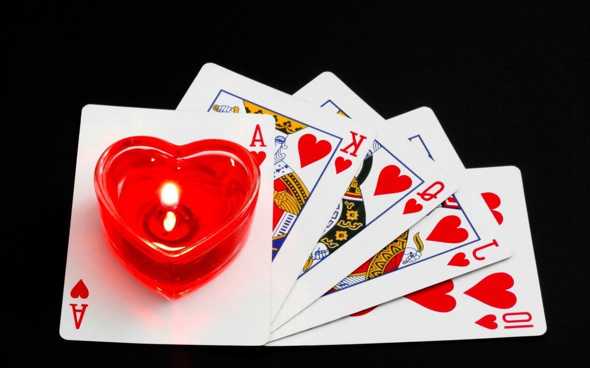 гадание на обычных картах на любовь